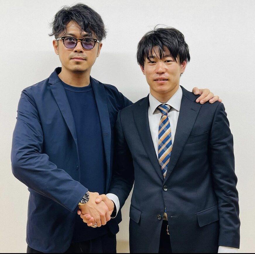 2021年にMINT TOKYOに入社した樋口一馬と池淵氏